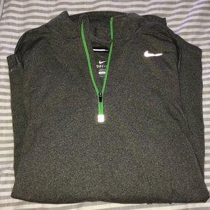 Nike - Dri Fit Pullover
